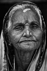 Oude vrouw in Odisha