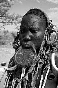 Mursi woman with lip-plate - 2375